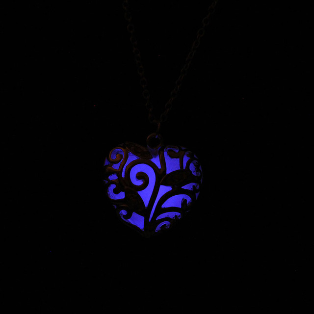 Love Heart Glow in the Dark Pendant necklace with 48cm chain blue green pink