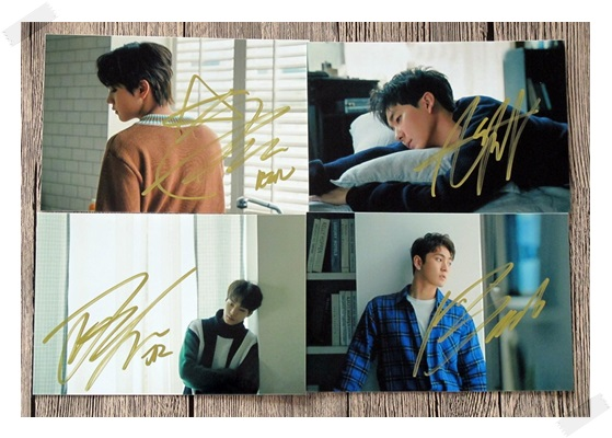 signed NUEST W autographed photo HERE K-POP 6 inches 4 photos set freeshipping 102017 got7 got 7 jb autographed signed photo flight log arrival 6 inches new korean freeshipping 03 2017