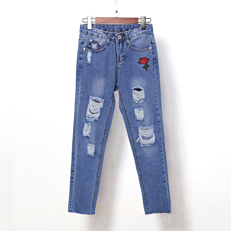 Flower embroidery jeans female Blue casual pants capris 2017 summer Pockets straight pencil jeans women bottom 3329 flower embroidery jeans female blue casual pants capris 2017 spring summer pockets straight jeans women bottom a46