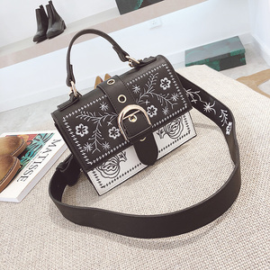 Image 5 - Toposhine Fashion Women Bag Panelled Vintage Flower Girls Bags for Girls Black PU Leather Women Messenger Bags Drop Shipping