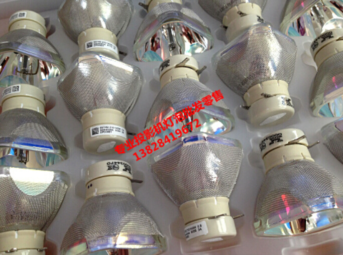 Фотография 100% NEW ORIGINAL UHP210/140W 0.8 E19.4 FOR HITACHI DT01022 /CPRX80LAMP DT01026 PROJECTOR LAMP BULB 180Days Warranty