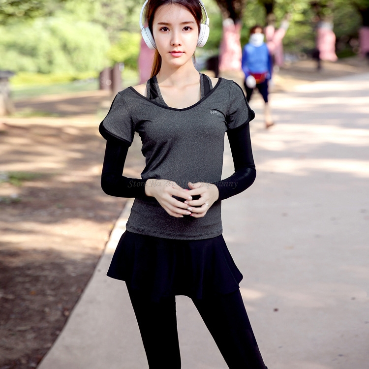 2 Pezzi Maniche Corte Magliette Camicette E Compressione Traspirante Quick Dry Pantaloni Di Yoga Delle Donne Set Di Sport Indossa Corsa E Jogging Da Jogging Vestito