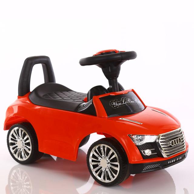 Audi crianças scooter de quatro rodas carro da torção pode sentar Walker bebê yo música infantil pé dirigindo o carro