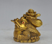 Crafts statue China fengshui Brass wealth cabbage money coin Golden Toad spittor Lucky statue halloween