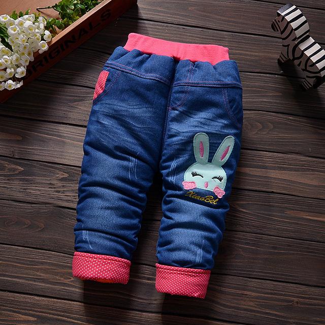 2016 Nuevos Niños Más Gruesos Pantalones de Terciopelo Femeninos Bebé Recién Nacido de Algodón de Invierno Pantalones Calientes Pantalones Chicas Floral Fuera