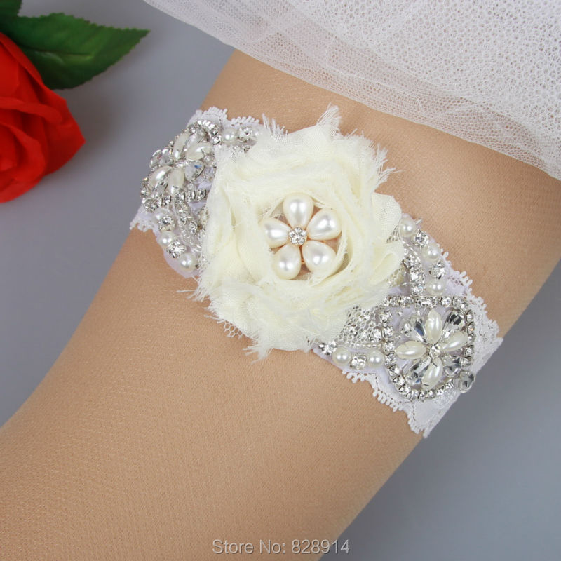 Crystal Wedding Garter: Crystal Rhinestones Beaded Lace Wedding Garter For Bride