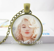Wholesale Glass Dome Jewelry Marilyn Monroe Necklace Kisses. Glass Picture Pendant Photo Pendant Handcrafted Jewelry(China)