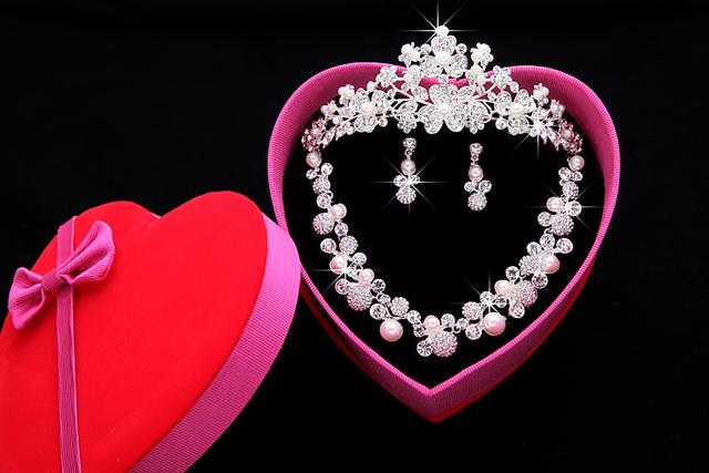 Conjuntos de Acessórios Do Casamento de Prata Banhado Africano Beads Pérolas Sparkle Coroa Acessórios De Noiva Baratos Online 2016 Cappelli Da Sposa