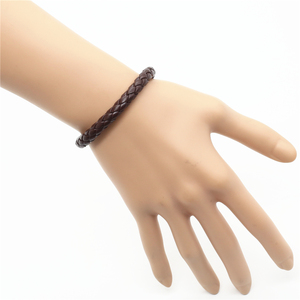 Image 4 - En gros 100 pcs/lot nouvelle mode Wrap Handmde corde tresse armure Femme Femme Homme mâle PU cuir hommes Bracelet pour femmes bijoux