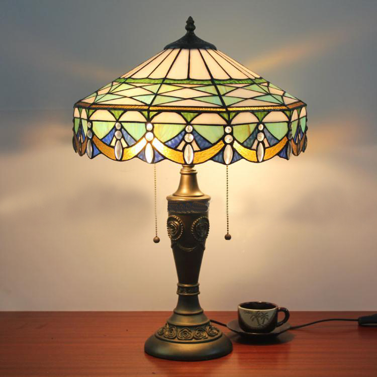 Living Room With Wooden End Table And Tiffany Lamp: 16 Inch New Simple Handmade Art Gentleman Tiffany Lamp