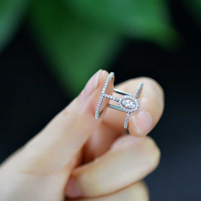 CWWZircons ปรับขนาดแฟชั่นเครื่องประดับ Micro Pave Cubic Zirconia หินสีเงินขนาดใหญ่เปิดแหวนผู้หญิง R065