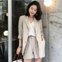 2019 New and fashion cotton and linen professional small suit jacket women striped linen suit + suit shorts two piece