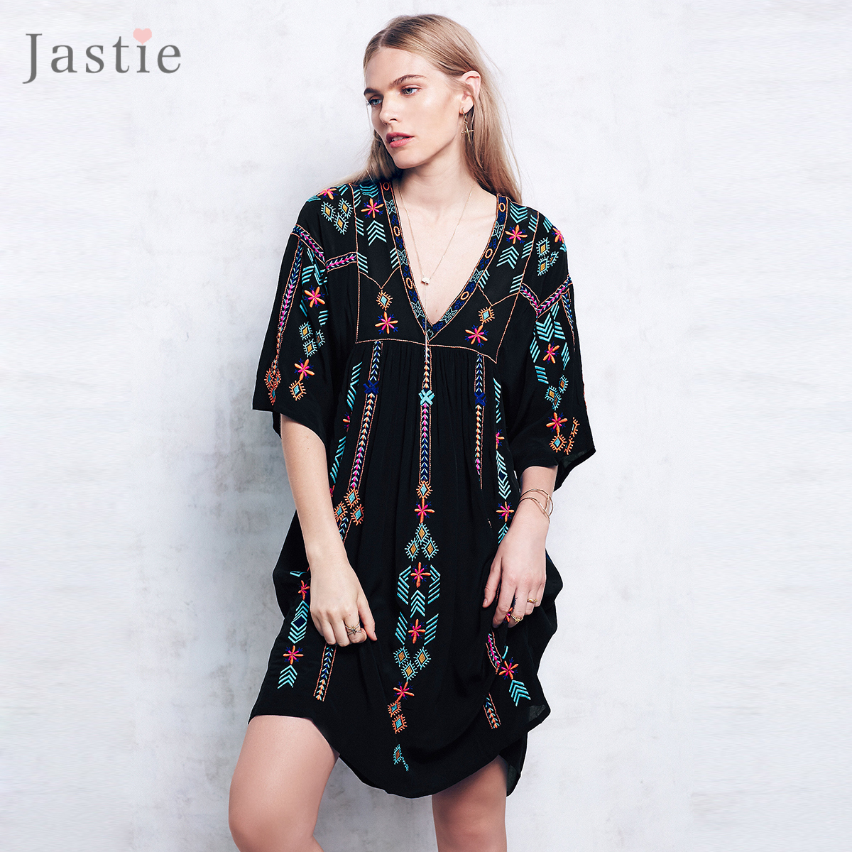 a396a24942f62 Autumn Women Tops Vintage Ethnic Printed Kimono Cardigan Loose Casual  Batwing Sleeves Jacket Coat Boho Poncho Blouses-in Basic Jackets from  Women's ...