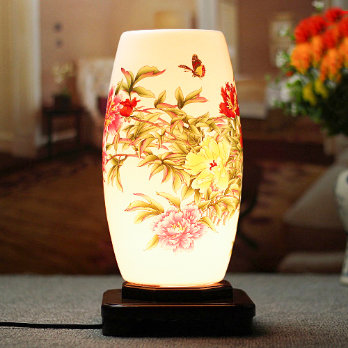 Chinese style hand painted cramic porcelain hotel bedside table lampsChinese style hand painted cramic porcelain hotel bedside table lamps