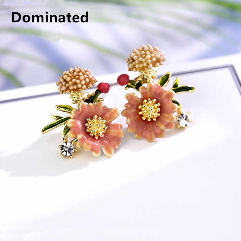 Dominated New Simple Petals Earrings Personalities Fashionable Metal Flowers Lady Temperament Stud Earrings