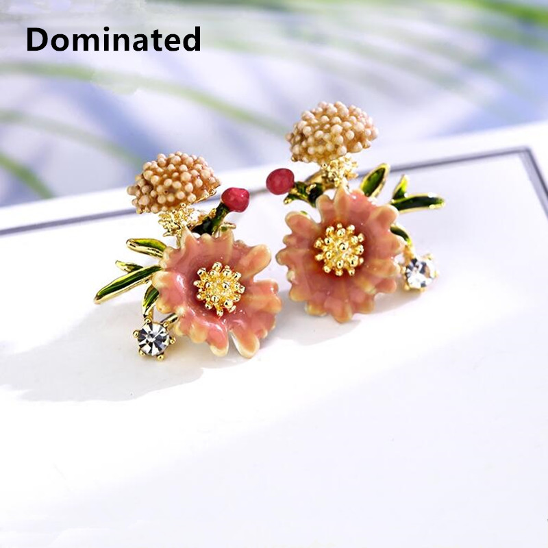 Dominated New Simple Petals Earrings Personalities Fashionable Metal Flowers Lady Temperament Stud