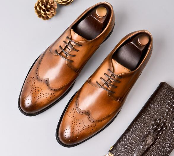 New mens shoes summer England dress shoes leather Brogue carved mens business lace-up shoesNew mens shoes summer England dress shoes leather Brogue carved mens business lace-up shoes