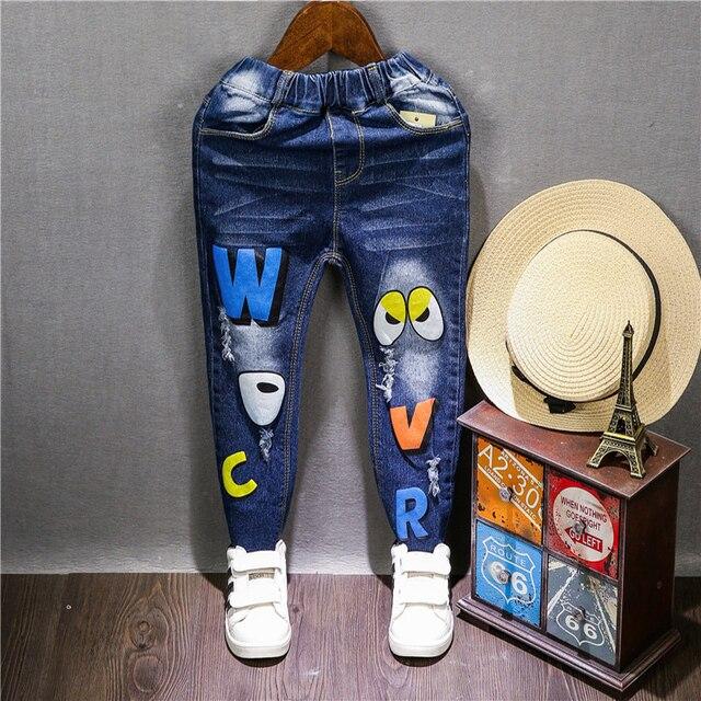 China baby & Children's roupas 2016 Moda menino/menina de Jeans para a Primavera/outono letra dos desenhos animados ocasional das calças de brim venda quente