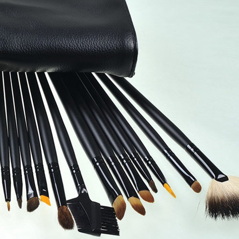 24 Pcs Makeup Brush Sets with Bag for Blending Foundation and Powder Suitable for Contouring and Highlighting 22
