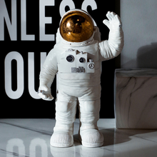 Nordic INS Fashion Modern Creative Astronaut Figurines Miniatures Home Decoration Room Living Bedroom Furnishings LFB572