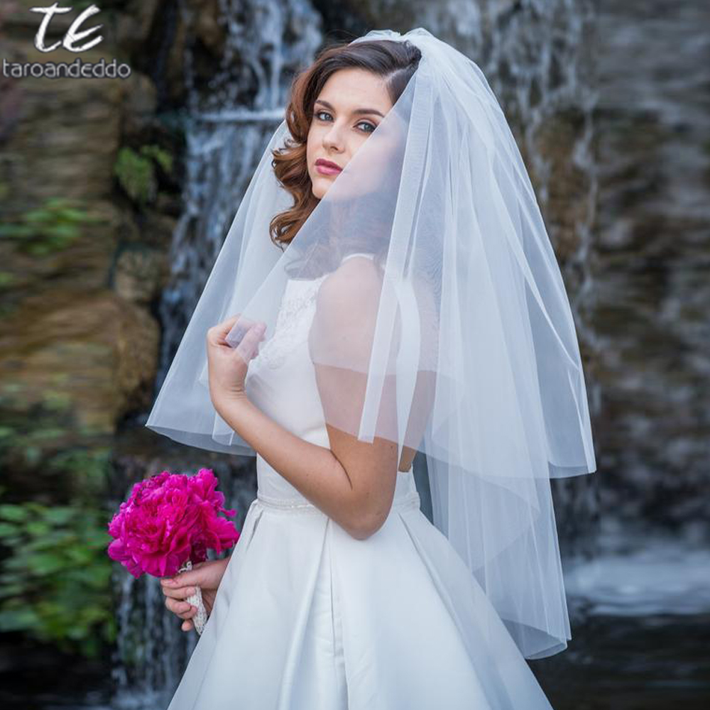 Top Quality Cut Edge Two Tier White/Ivory Puffy Tulle Bridal Veil Fingertip Length Tulle Wedding Veil with Metal Comb