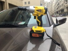 Professional New 320N.m 1/2''cordless impact wrench with split motor Electric Impact Wrench Car Tyre Wheel Wrench Cordless Drill