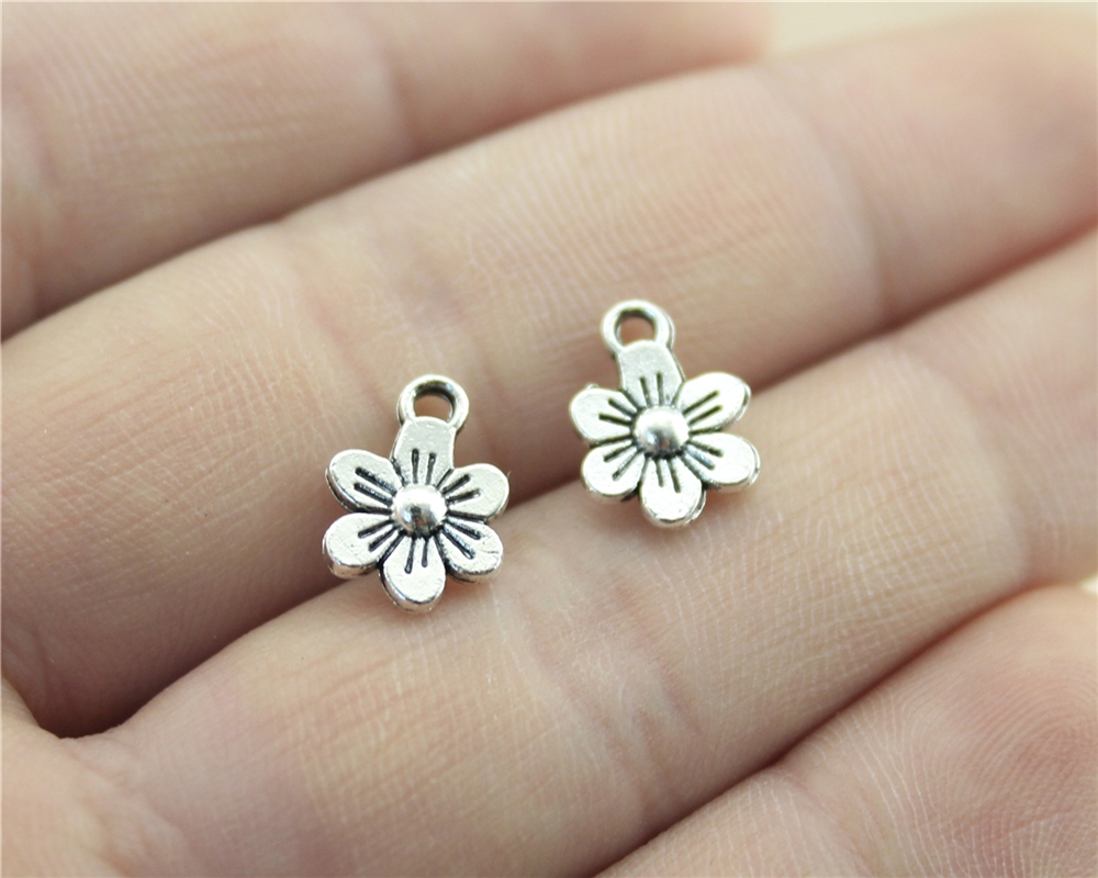 WYSIWYG 30pcs 12x9mm Tiny Cute Daisy Flowers Charms DIY Flowers Daisy Doubel Sided Charms Double Sided Flower Charms