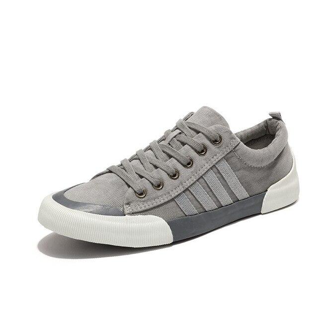 Novo Estilo de Sapatos de Lona Plana Homens Bola Branca Sapatos Masculinos  Coreano Fundo Plano Respirável fa02b9d9f1dc9