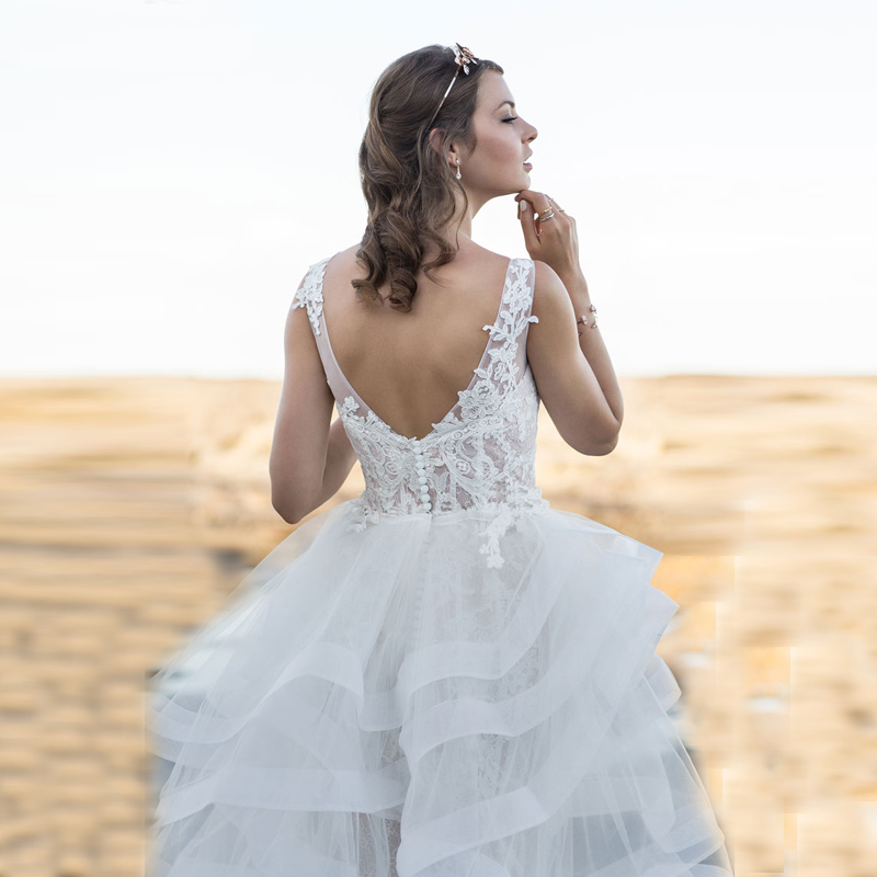2c0c1b3ff3315 Beautiful Designer High Low Bridal Gown with Lace Appliques V Neck ...