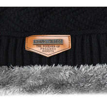 Autumn and winter new men's knitted cotton hat warm and comfortable plus velvet thick ski hat double warm and high quality Skull