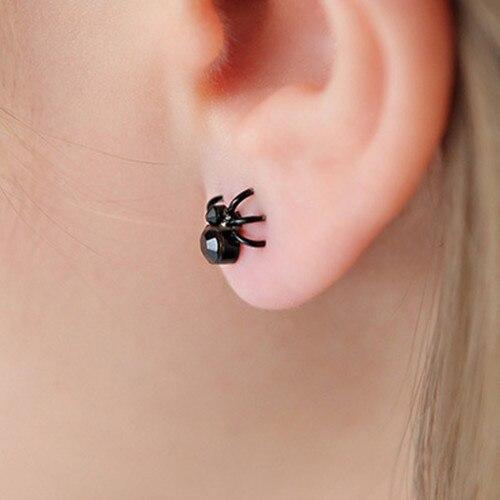 geekoplanet.com - The Spider Stud Earrings