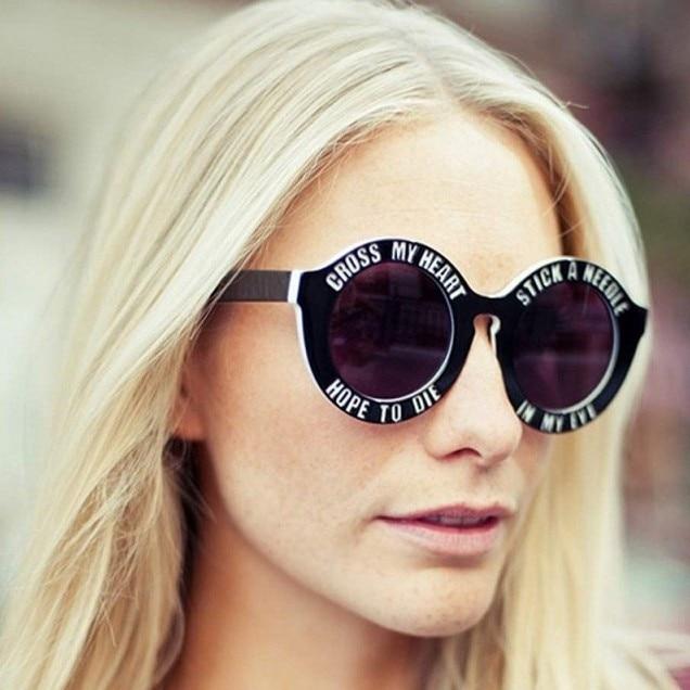 House of Holland gafas de marco redondo de La Vendimia letras ...