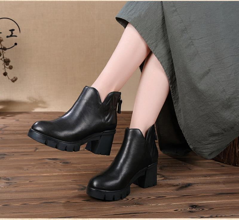 2018 new women's shoes in the fall Retro round head and thick bottom female boots Thick calris coat and zipper boots female head teachers administrative challenges in schools in kenya