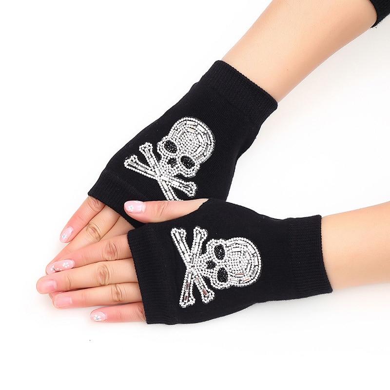 Lovely Cartoon Animals Pattern Skull Winter Rivet Gloves Women Warm Knitted Diamonds Sequins Cool Fingerless Dancing Gloves G101