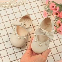 Элегантные туфли принцессы с бантом и жемчугом для маленьких девочек; повседневная обувь для маленьких девочек; кожаные туфли для девочек;