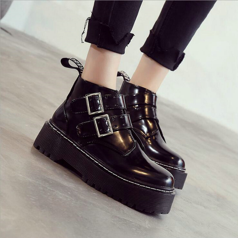 2019 Girl lace up Platform Short Motorcycle Boots Shoes Women Thick bottom Martin Boots Lady Belt Buckle Ankle Boots TT 80Z