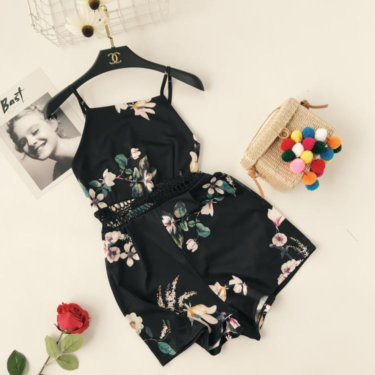 2018 Women Summer Playsuits Bohemian Sleeveless Cami Strap Floral Print Romper Shorts Elegant Lace Hollow Out Casual Playsuit