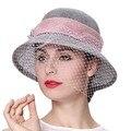 Junio de mujeres jóvenes sombreros 100% Sinamay velo decorar elegante banquete de boda de señora desgaste de moda sombreros azul rosa Color de sombreros de ala del verano