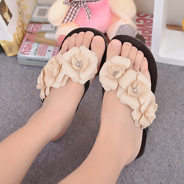 VSEN Summer Sweet Girls Slippers Camellia Flower Women Sandals Flat Flip Flops Bohemian Gladiator Sandals Beach Slippers
