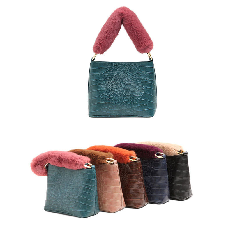 Women's Special Wrist Bag Made of Faux Fur, Elagant Tote In Solid Color, Necessary for Dating