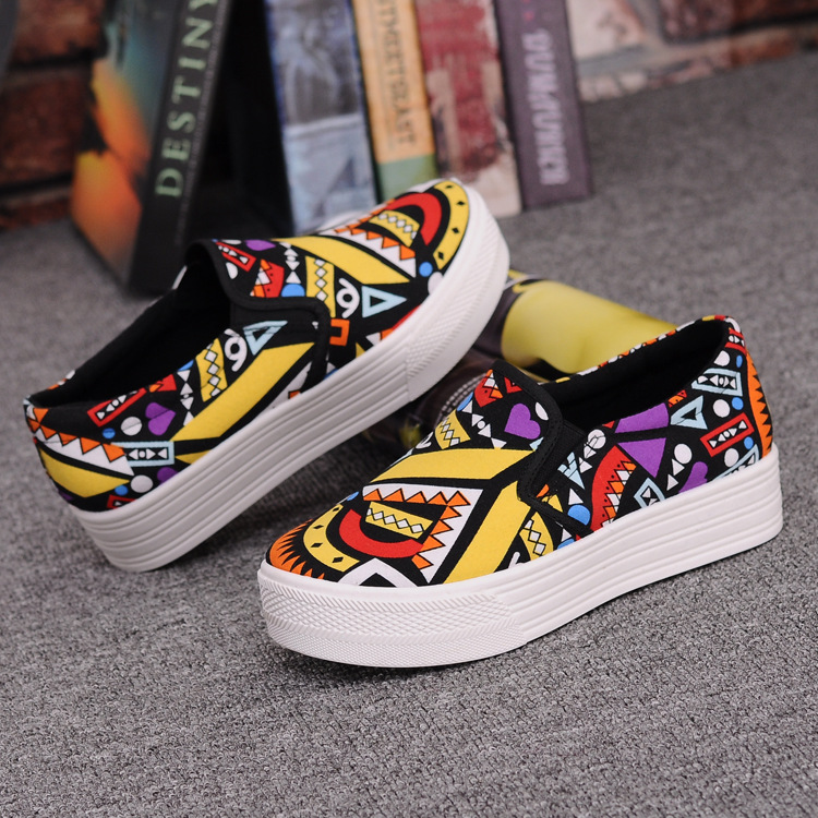 Canvas Shoes Women Girl 2016 New Footwear Female Slip On Platform Casual Shoes Flatform Autumn Graffiti Round Toe Loafers Flats (7)