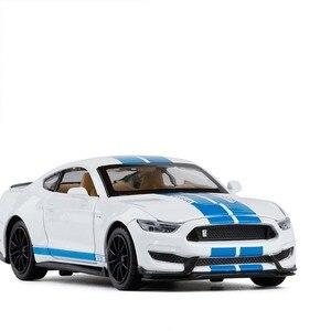 Image 3 - 1/32 Mustang Shelby GT350 Legierung Auto Spielzeug Modell EINE Modifizierte Auto Modell Pull Zurück Blinkende kinder Spielzeug Geschenk Freies verschiffen