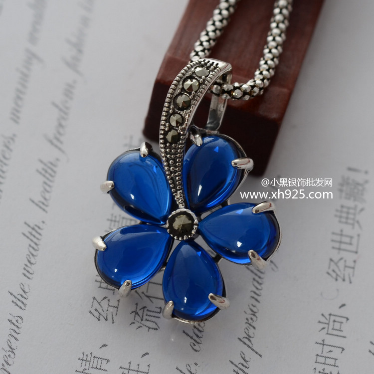 Black silver jewelry wholesale 925 vintage silver blue jade inlaid with mosaic five flower small golden lady Pendant
