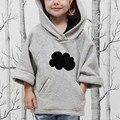 2016 Nuevos Hoodies de Los Cabritos Niñas Primavera Otoño Outwear la Ropa de Bebé Más Grueso Suéter de la Manga del Cuarto de Tres Patrones de Nubes para 1-6Y