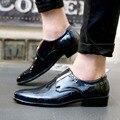 Venta caliente New Oxford Zapatos Casual Hombres Moda Hombres Zapatos de Cuero Del Otoño Del Resorte de Los Hombres Planos de Charol Zapatos de Los Hombres