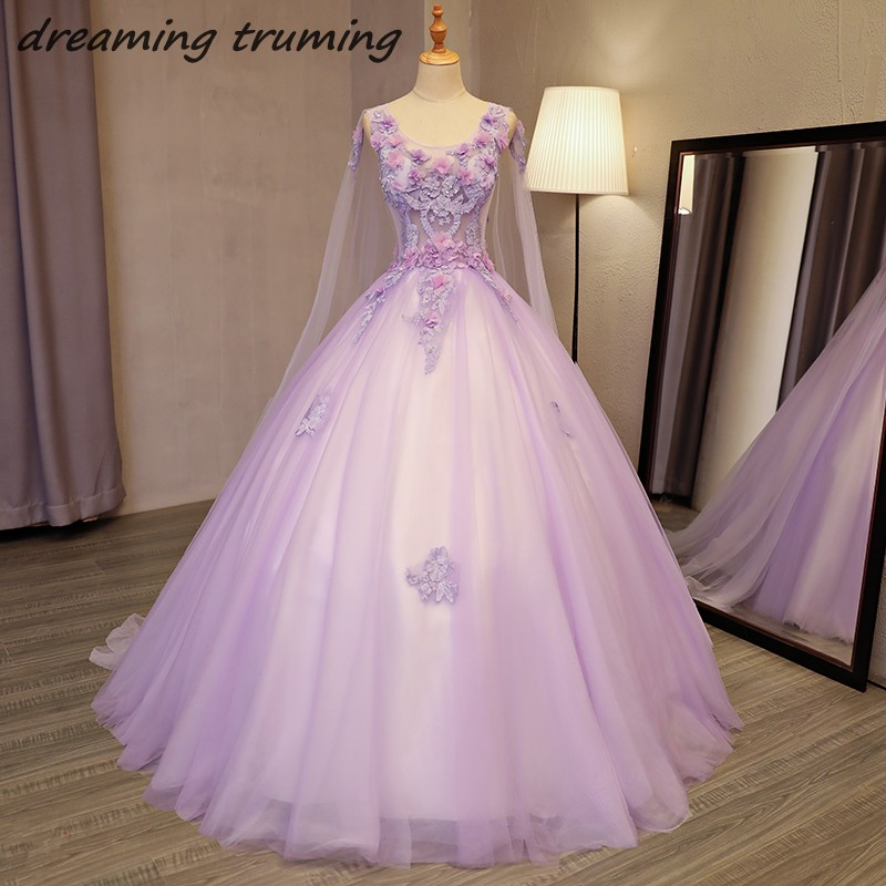 Robes de bal mascarade romantique bouffantes douces 16 robes Appliques fleur pailletée lilas Quinceanera robes 2018 avec Long Train