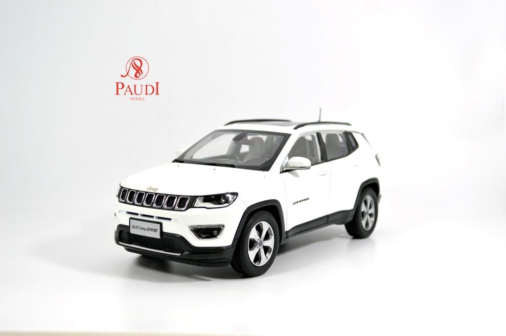 Paudi modèle 1/18 1:18 échelle Jeep boussole 2017 blanc moulé sous pression modèle voiture jouet modèle voiture portes ouvertes