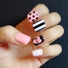 24pcs Short Design Pink False Nails Japanese Square Fake Glue Sticker Heat Black White Stripe Kiss Artificial Tips