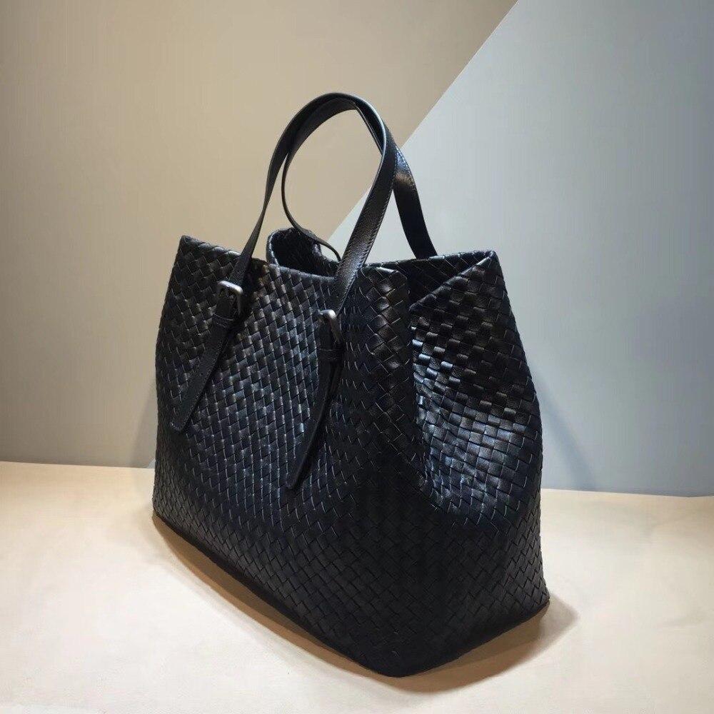 сумка женHigh-capacity Genuine leather The single shoulder bag Woman Internal and external dermis Sheepskin Hand knit  Woven bag