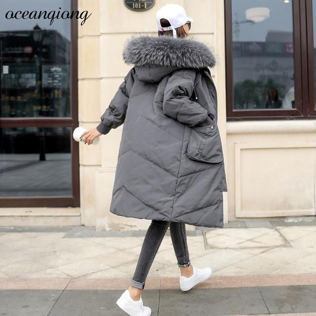 Мода 2017 г. Для женщин Зимнее теплое длинное пальто куртка длинные 70% белая утка Подпушка реального енота Мех животных с капюшоном Пуховое пальто Для женщин Мужские парки
